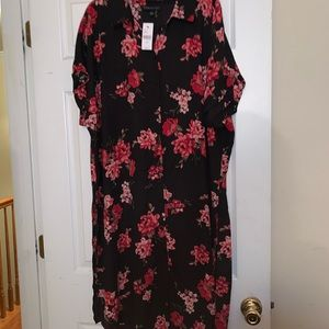 Tunic blouse black /red 18/20 side slits.